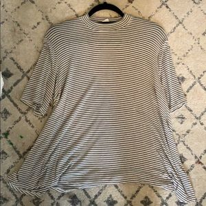 Striped beige black and white tee asymmetrical